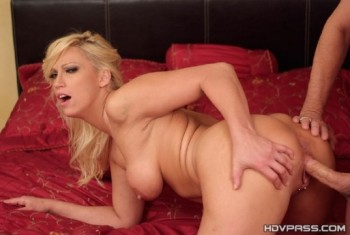 Nicki Hunter - Nicki Hunter has sex to keep her job (2014) 720p