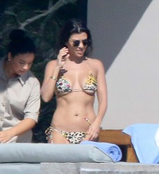 Kourtney Kardashian - Bikini Candids in Mexico 11/12/16
