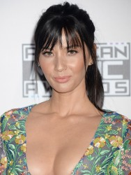 Olivia Munn - 2016 American Music Awards 11/20/16