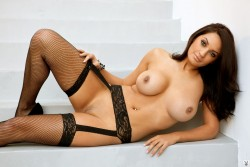 http://thumbnails116.imagebam.com/51921/d9b036519205019.jpg