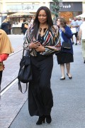 Garcelle Beauvais Does some holiday shopping 7