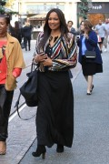 Garcelle Beauvais Does some holiday shopping 1