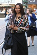 Garcelle Beauvais Does some holiday shopping 4