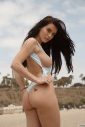 http://thumbnails116.imagebam.com/49646/fbd230496451527.jpg